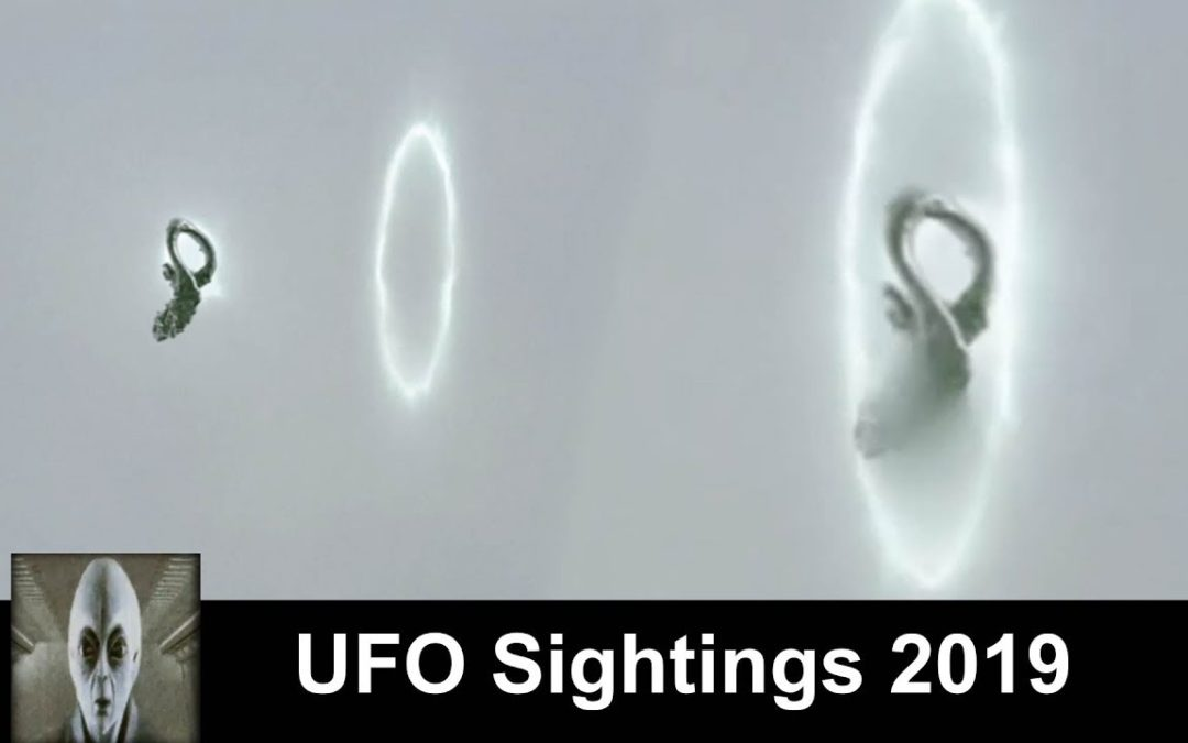 UFO Sightings 2019 UFO Goes Thru Portal Must See Footage